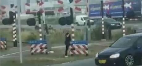 Beelden leiden naar auto en bestuurder, automobilist wilde man aanrijden in Oss