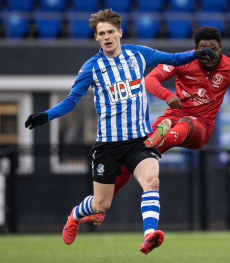 Kleinzoon 'Mister PSV' tekent eerste profcontract: Van Rosmalen tot 2024 bij FC Eindhoven