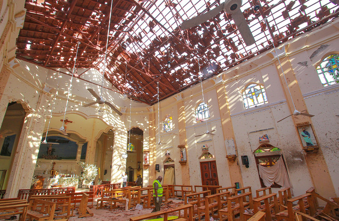 De kerk van St. Sebastiaan in Negombo, aan de westkust van Sri Lanka,  was een van de doelwitten van terroristen in het paasweekend.