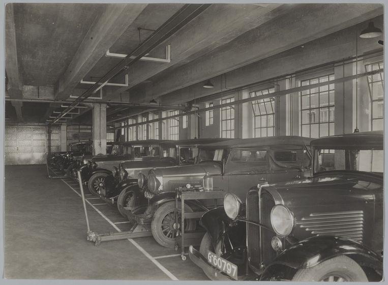 De garage had plek voor 400 automobielen. Beeld Stadsarchief