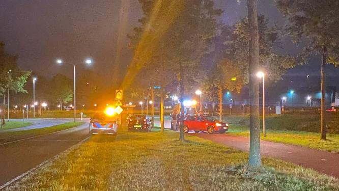 Fietsster gewond naar het ziekenhuis na valpartij op Europalaan in Hengelo
