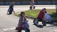 Leerlingen De Trampoline stappen en trappen naar school