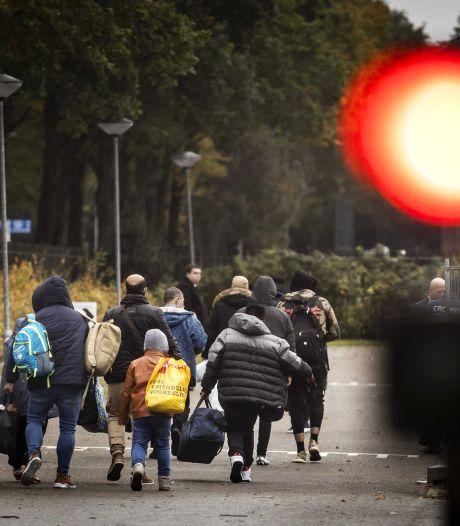 Wie geeft vluchtelingen een bed? Eindeloze bezwarenlijst van gemeenten verhindert extra opvang