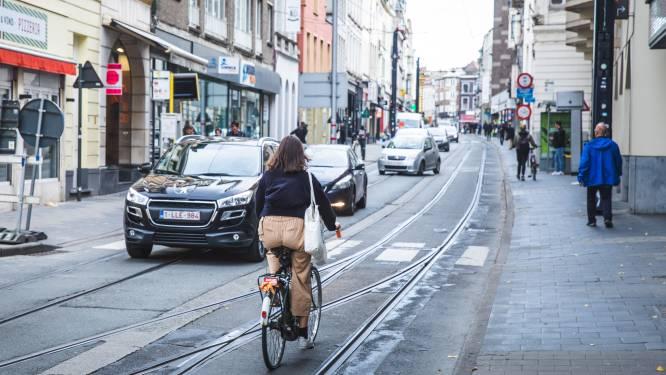9 fietsers betrapt op gsm-gebruik tijdens het rijden: elk 116 euro boete