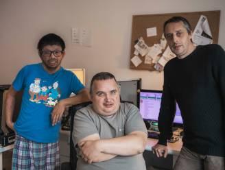"""Hasselaar Peter (49) richt radiozender op met werknemers met en zonder beperking: """"Samen versterken we elkaar"""""""