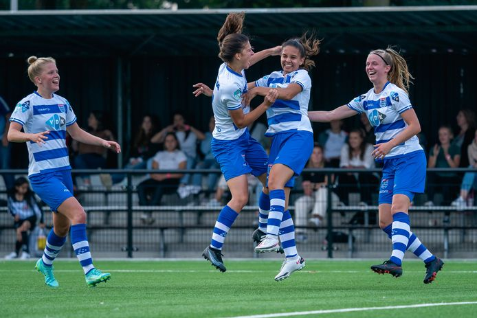 Swingende Zwolse paardenstaarten in Enschede, waar PEC een sensationele overwinning boekt.