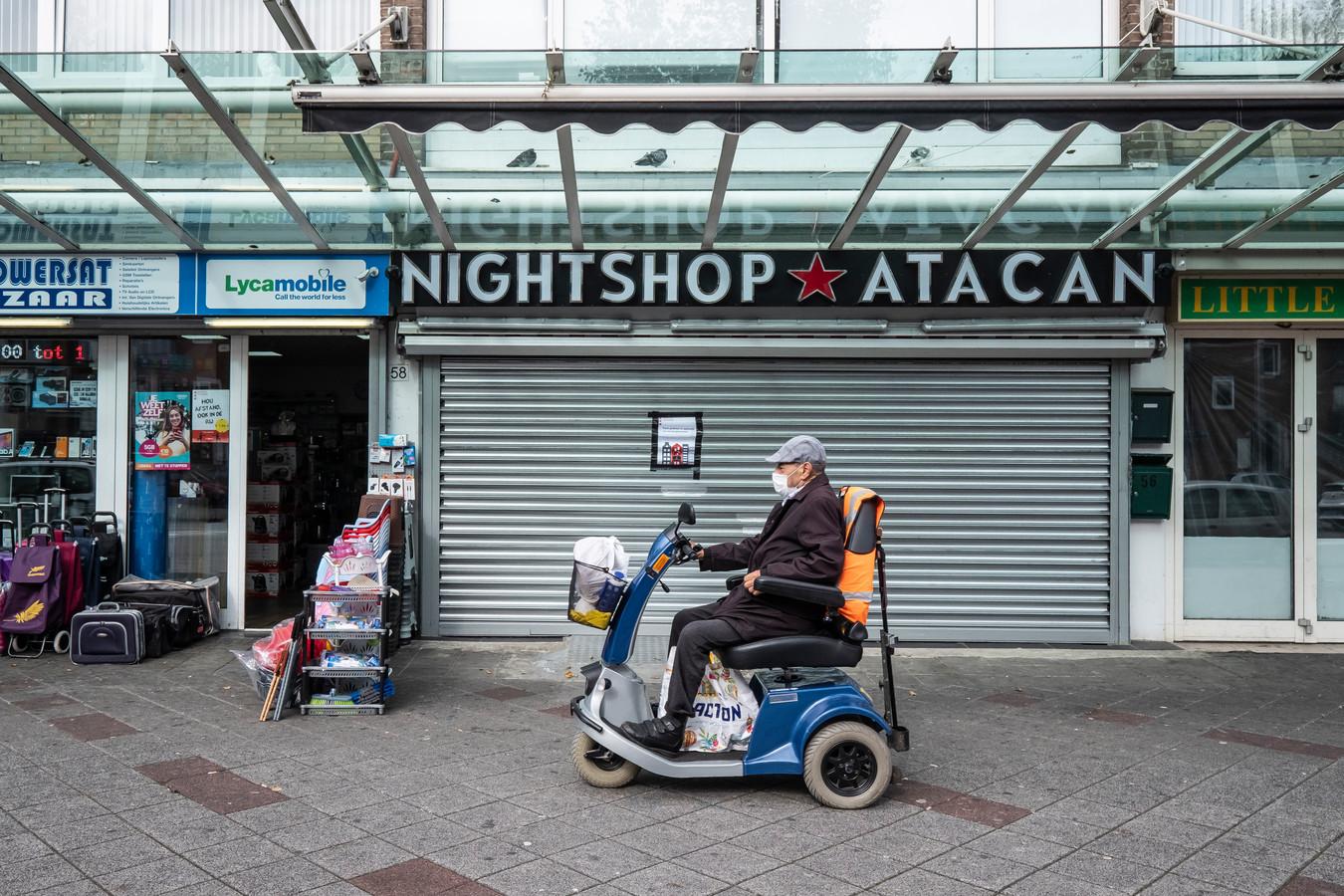 Volgens C. was zijn aanslag een reactie op aanvallen op de avondwinkel van zijn vader, Ata Can.