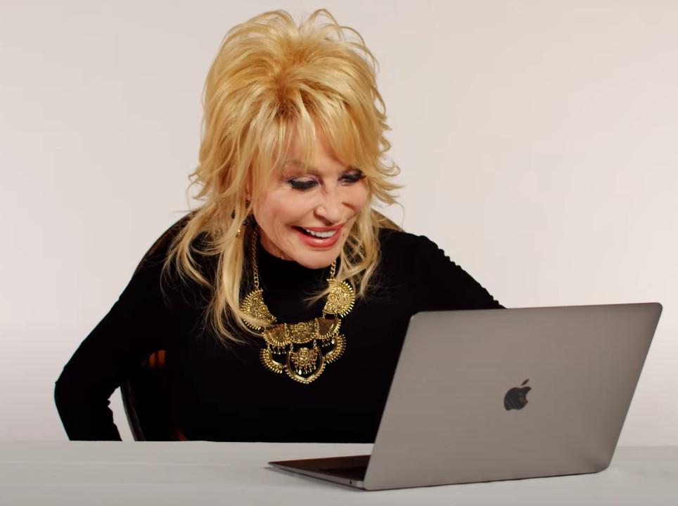 Dolly in de video.