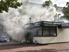 Friettent De Fer in Breda lijkt verloren na hevige brand