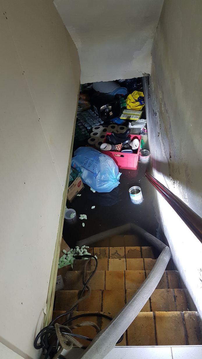 De kelder van kinderdagverblijf De Speelboom liep volledig onder. Maandag moest nog volop gepompt worden.