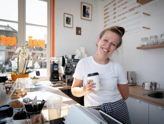 """Stephanie opent koffiebar in aubette: """"Ode aan mijn zieke oma"""""""