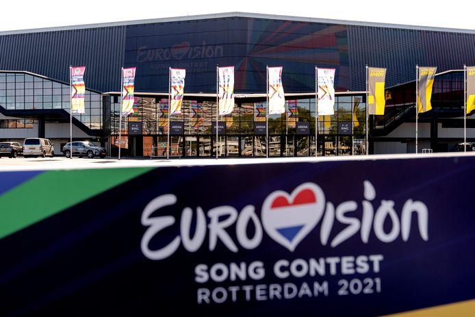 Mocht het mogelijk zijn om artiesten en hun gevolg in Rotterdam te ontvangen, dan is hun bedje reeds gespreid in de Rotterdamse hotels.