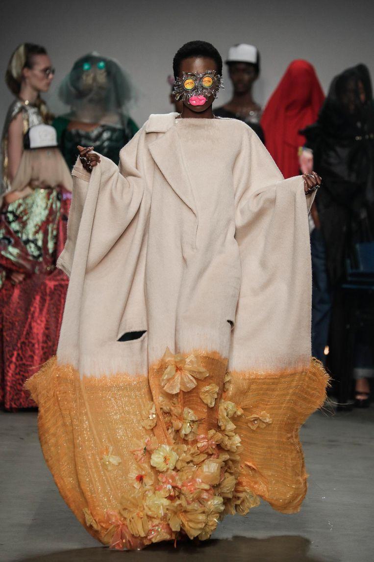 Een jas van Sunanda Chandry Koning. Beeld Team Peter Stigter