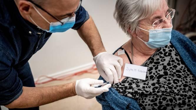 Denemarken bestelde dubbel zoveel doses als België en vaccineert sneller