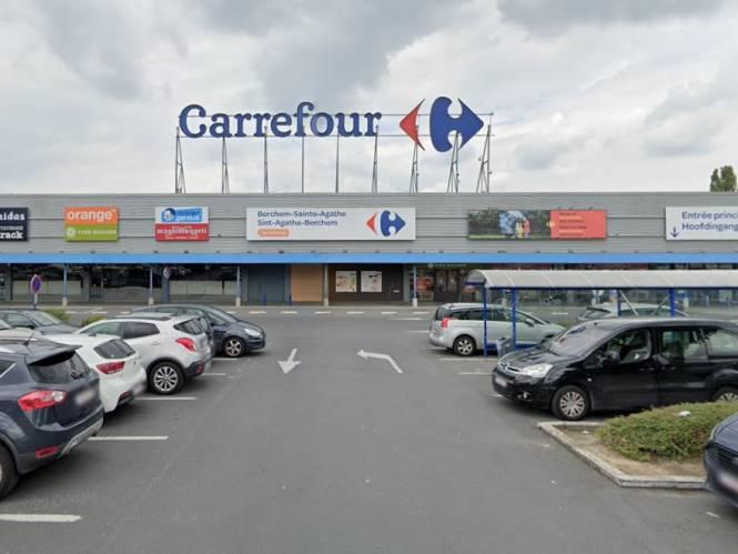 Jobstudent in mekaar geslagen, bewakingsagent in arm gebeten en aanval van hond: personeel Carrefour is agressie beu en legt werk neer