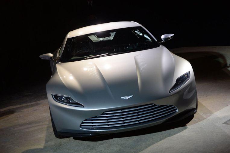 Er is voor de film een nieuwe auto ontwikkeld; de Aston Martin DB10. Beeld PHOTO_NEWS