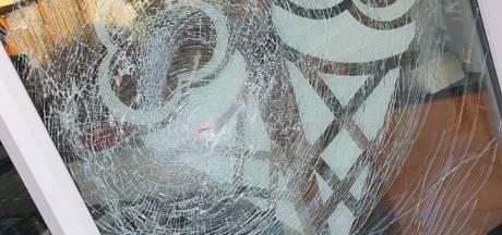 Ruiten van Harry's Snackcorner in Eibergen vernield