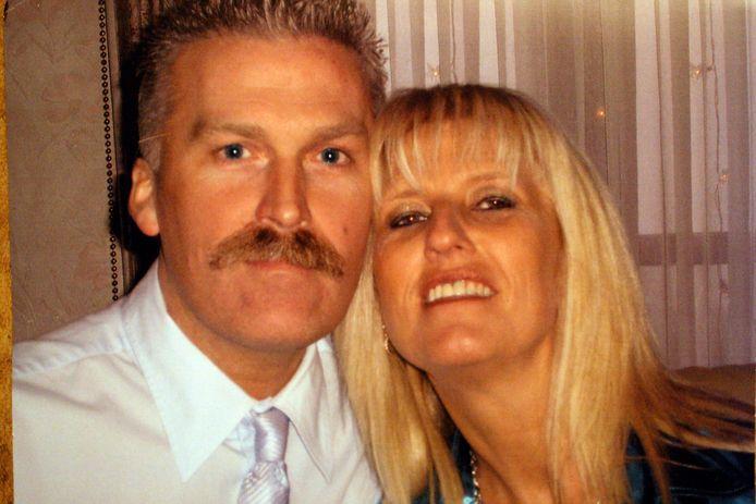 Yves Cuypers bracht in maart 2011 zijn ex-vrouw Erika Spaan (48) op gruwelijke wijze om het leven na een relatie van tien jaar. Beiden zijn afkomstig uit Diest, waar Cuypers nochtans in de jeugd bekend stond als beloftevol tennisser.