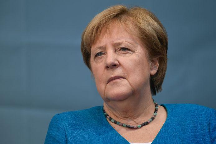 Jerman mendepositkan Angela Merkel sebagai kanselir.