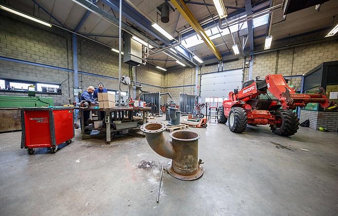 Moerdijk - 01/04/2015 - Foto: Marcel Otterspeer / het fotoburo - Reportage nieuwe hogedruk-ketel Slibverwerking Noord-Brabant. Onderhoudswerkplaats.