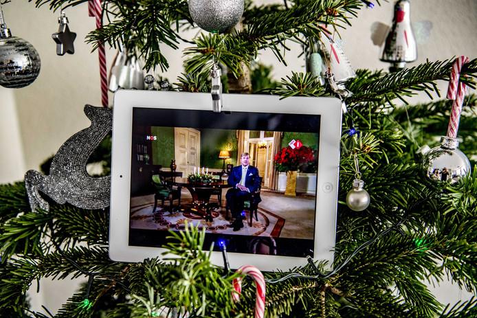 Koning Willem-Alexander houdt vanuit zijn werkpaleis Noordeinde zijn kersttoespraak.