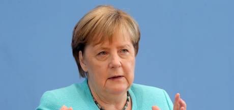 """Merkel réitère son appel à """"accélérer"""" la lutte pour le climat après les inondations"""