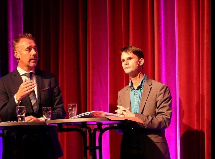 Schepen Jan Foulon (links) en oppositielid Björn Bordon in pre-corona tijden.