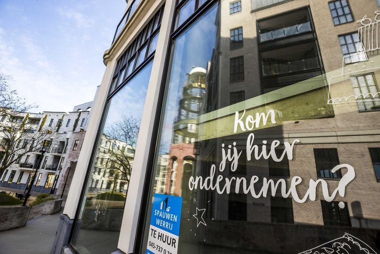 Een leeg winkelpand in Heerlen. Door de impact van de coronacrisis is er veel leegstand in binnensteden. Beeld ANP