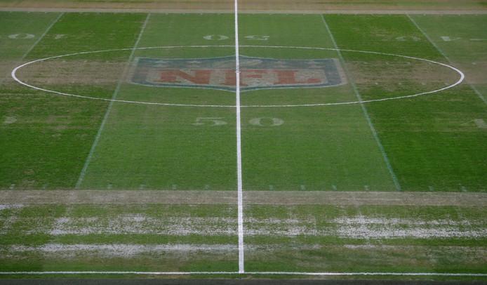 De grasmat van Wembley na afloop van het American Football-duel.