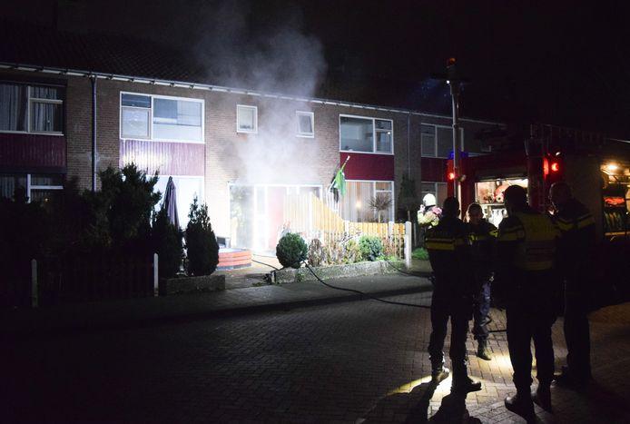 Forse schade door brand aan een woning aan de Mozartlaan in Doetinchem.