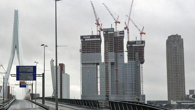 De Rotterdam in aanbouw.