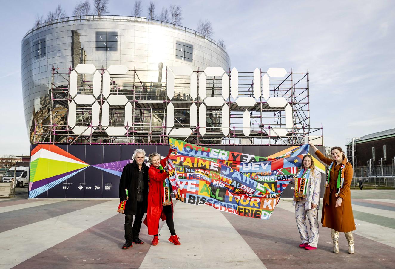 Op een enorme digitale klok wordt in het Museumpark in Rotterdam afgeteld naar het Eurovisie Songfestival.