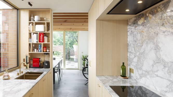 """Jong architectenkoppel renoveert eigen rijwoning: """"Complete transformatie"""""""