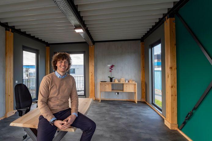 Erik van den Bergh van Bergh Bouwsystemen stelt gratis bedrijfsruimte beschikbaar voor werkende ouders of studenten.
