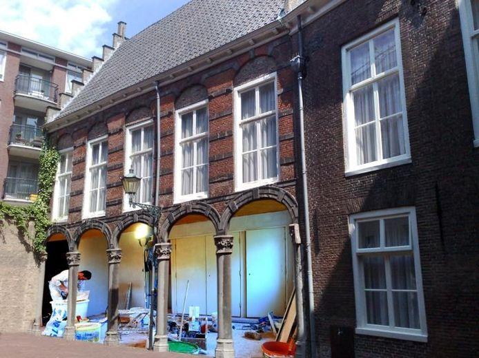 Wat de Vereniging Binnenstad betreft het toekomstbeeld: de galerij van de Herenkamer die weer open wordt gemaakt.fotomontage Alfred de Bruin