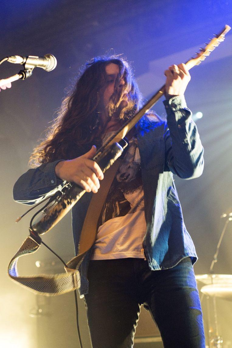 Het mooist waren de drie songs waarin de rocker en de folkie elkaar vonden in een zalige psychedelische waas. Beeld Alex Vanhee
