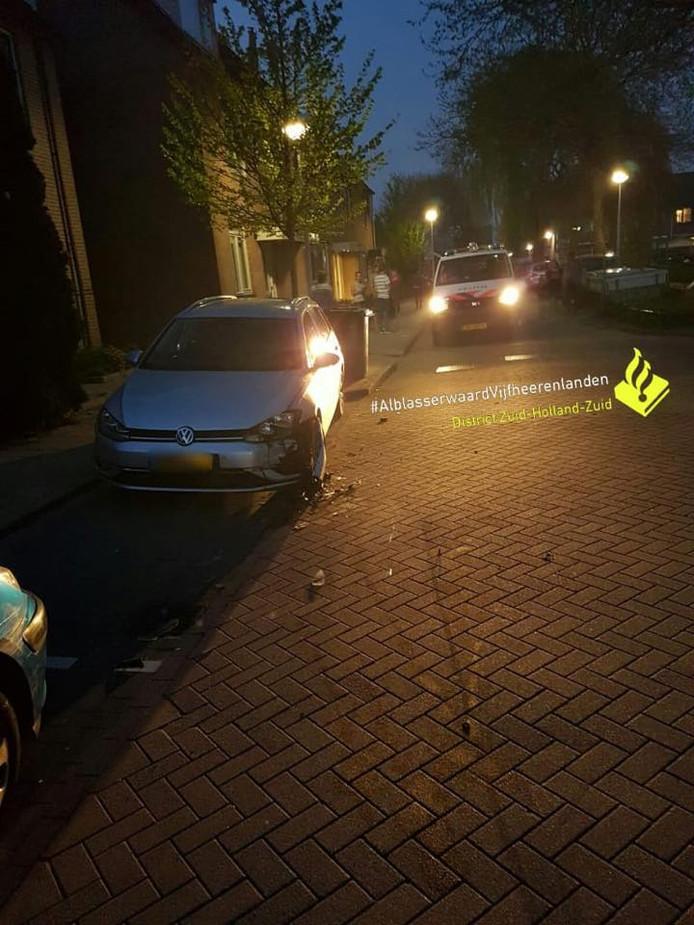 Dronken bestuurder rijdt auto's aan in Nieuw-Lekkerland.