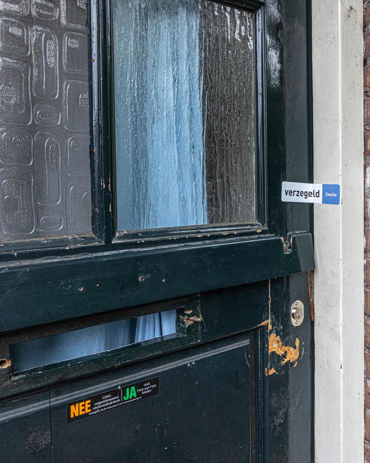 Het huis van Jerry aan de Praetoriusstraat in de Zwolse wijk Holtenbroek is gesloten.