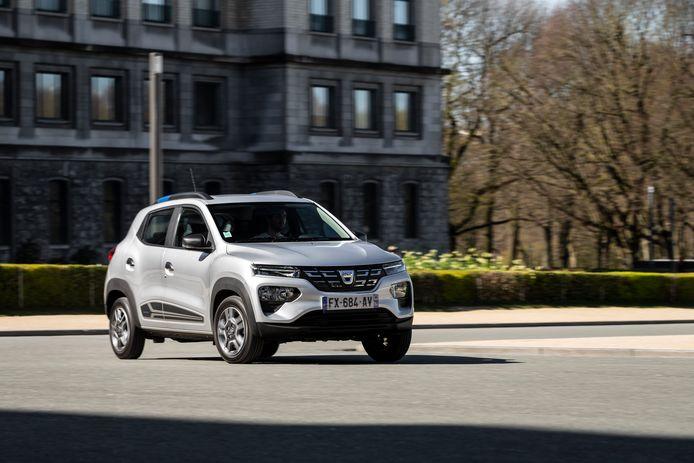 Op de Dacia Spring moet je 12 maanden wachten volgens Auto, Motor & Sport