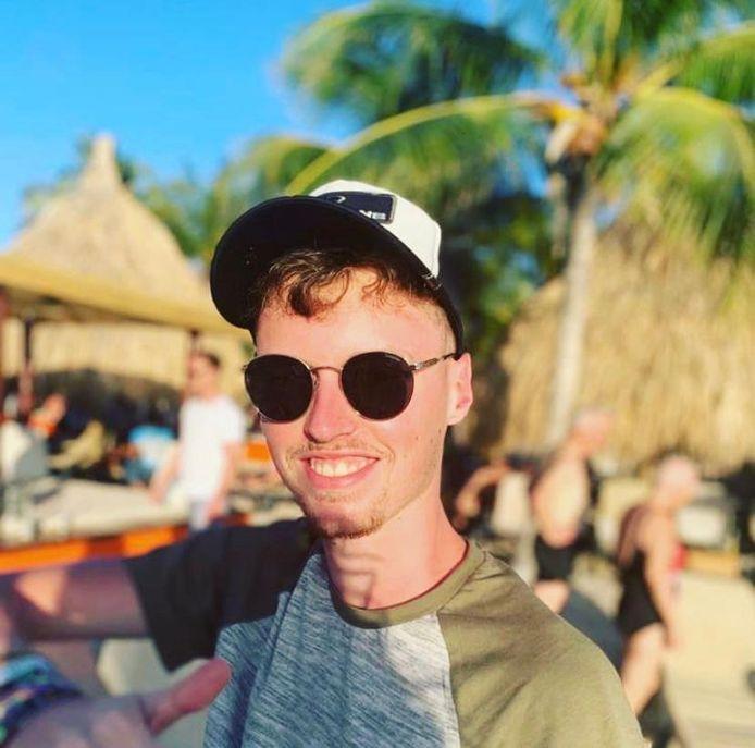 Bram Boeije uit Eindhoven loopt stage op Curaçao.