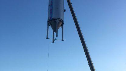 Brouwerij Huyghe tilt biertanks van 15 ton over daken