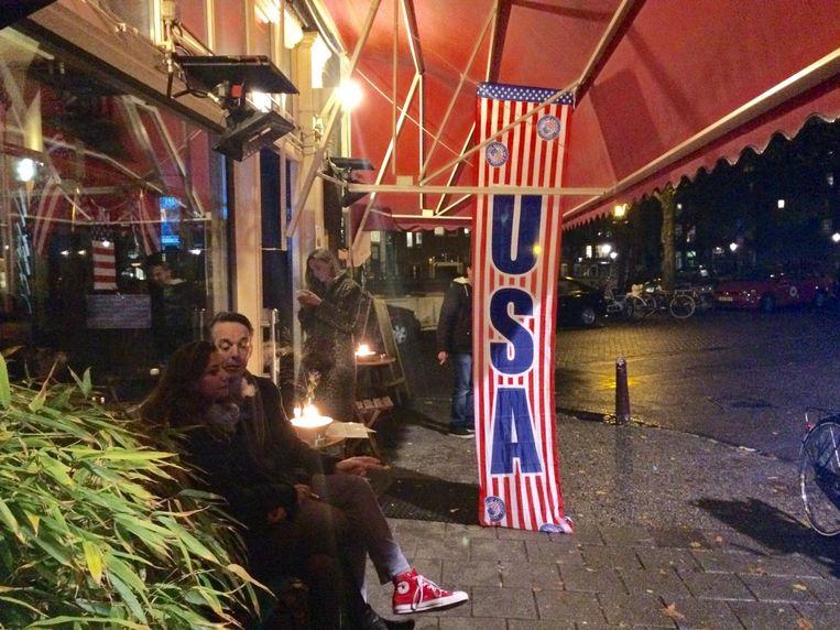 De entree van café Thijssen op de Lindengracht Beeld Bart Nauta