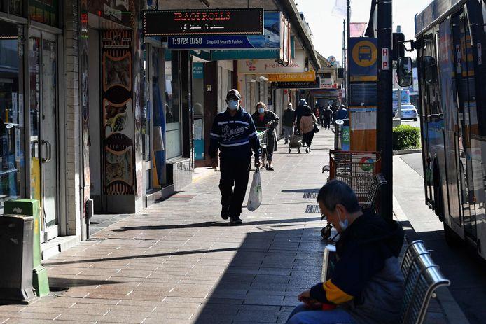 De wijk Fairfield in de Australische stad Sydney. Daar geldt al enkele weken een strenge lockdown na enkele besmettingen met de Deltavariant van het coronavirus.