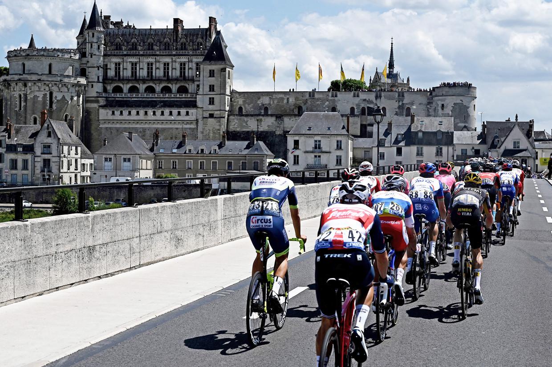 Het kasteel van Amboise was in beeld tijdens de zesde rit. Beeld AFP