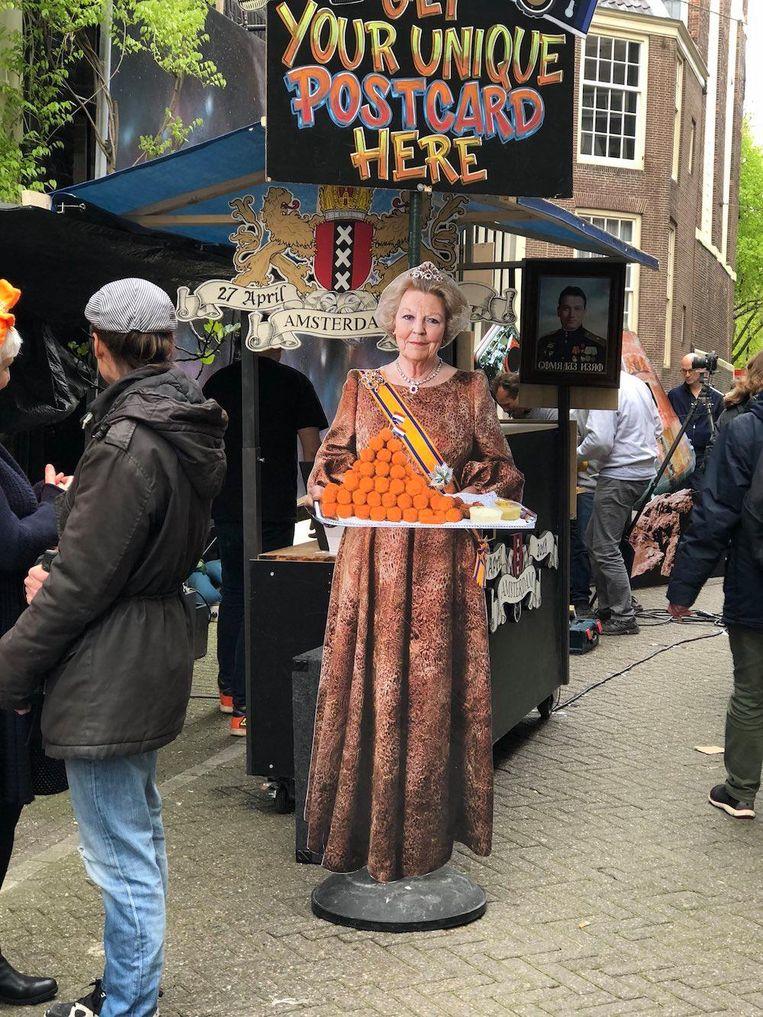 Koningin Beatrix met de bitterballen Beeld Sylvie