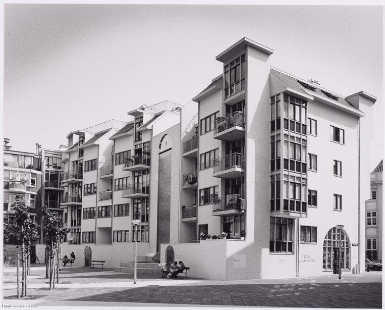 Zijn magnum opus was het Zuiderkerkhof, een naam die de gemeente destijds voor het gemak wilde omdopen tot Zuiderkerkplein, maar waar Hagenbeek zich met succes tegen verzette. Beeld Stadsarchief Amsterdam
