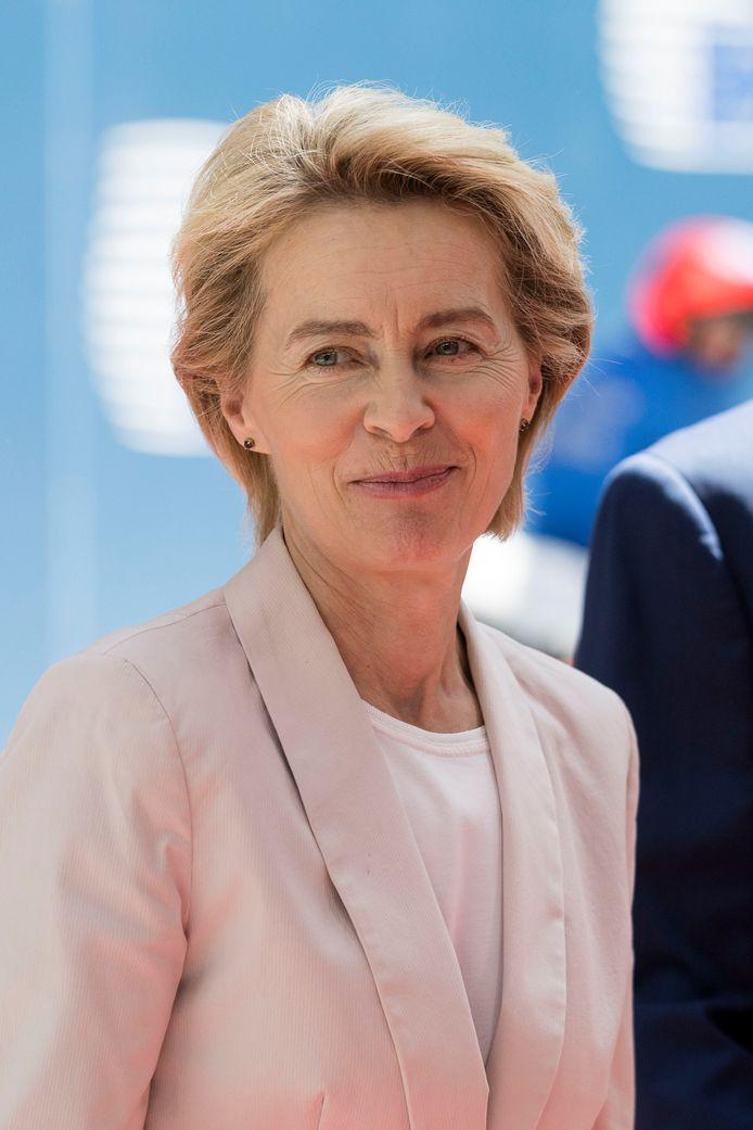 """Ursula von der Leyen ligt ook in Duitsland onder vuur: ,,Zij is onze slechtste minister."""""""
