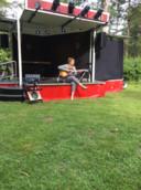 Kiki Schippers trad in 2020 op bij Klapstoelkabaret op Landgoed Schovenhorst in Putten. Het openluchtcabaret blijkt een covidproof evenement en wordt daarom deze zomer opnieuw georganiseerd.