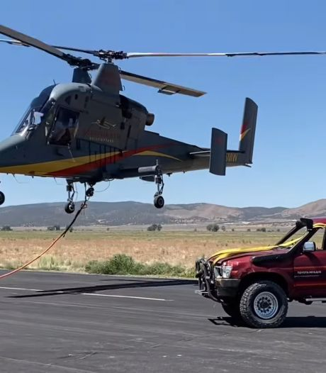Youtuber laat 'onverwoestbare' auto van drie kilometer hoogte naar beneden storten