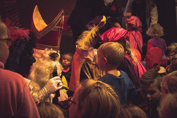 Sinterklaas bij een eerder bezoek aan Opheusden.